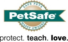 PetSafe's new Everflow Indoor/Outdoor Fountain offers pets 24/7 access to fresh, filtered water